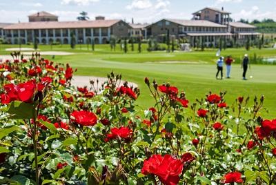 Preiswert Golfen am Gardasee - Chervó Golf Hotel Apartments San Vigilio****Italien Golfreisen und Golfurlaub