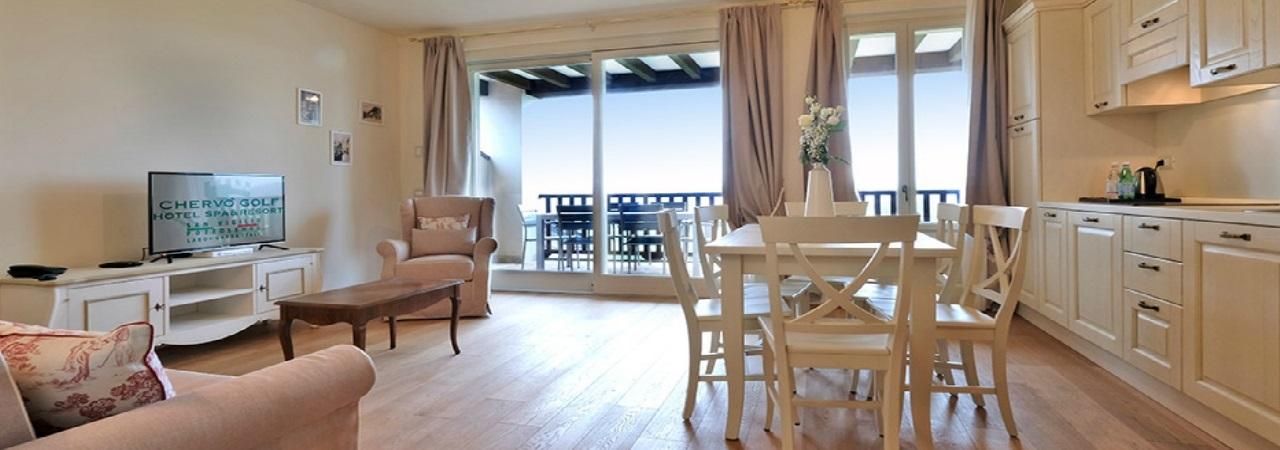 Preiswert Golfen am Gardasee - Chervó Golf Hotel Apartments San Vigilio**** - Italien