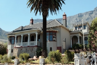 Cape Riviera Guesthouse*****